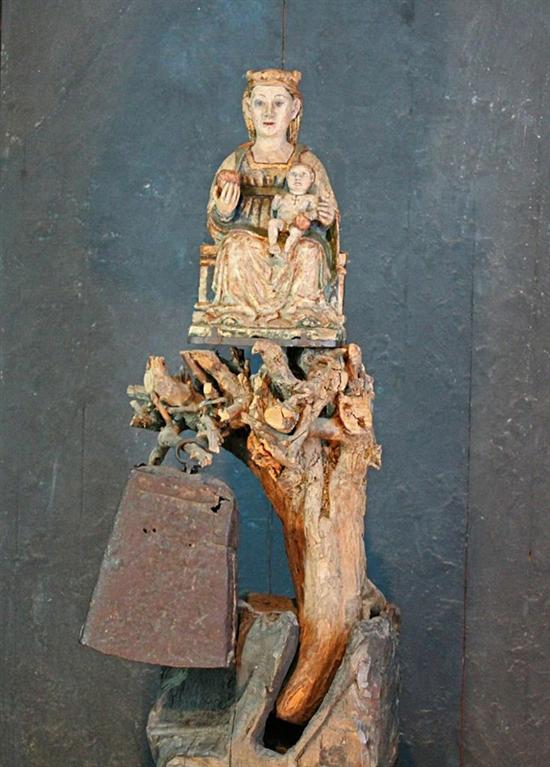 aranzazu_interior_altar_statue_closeup2w